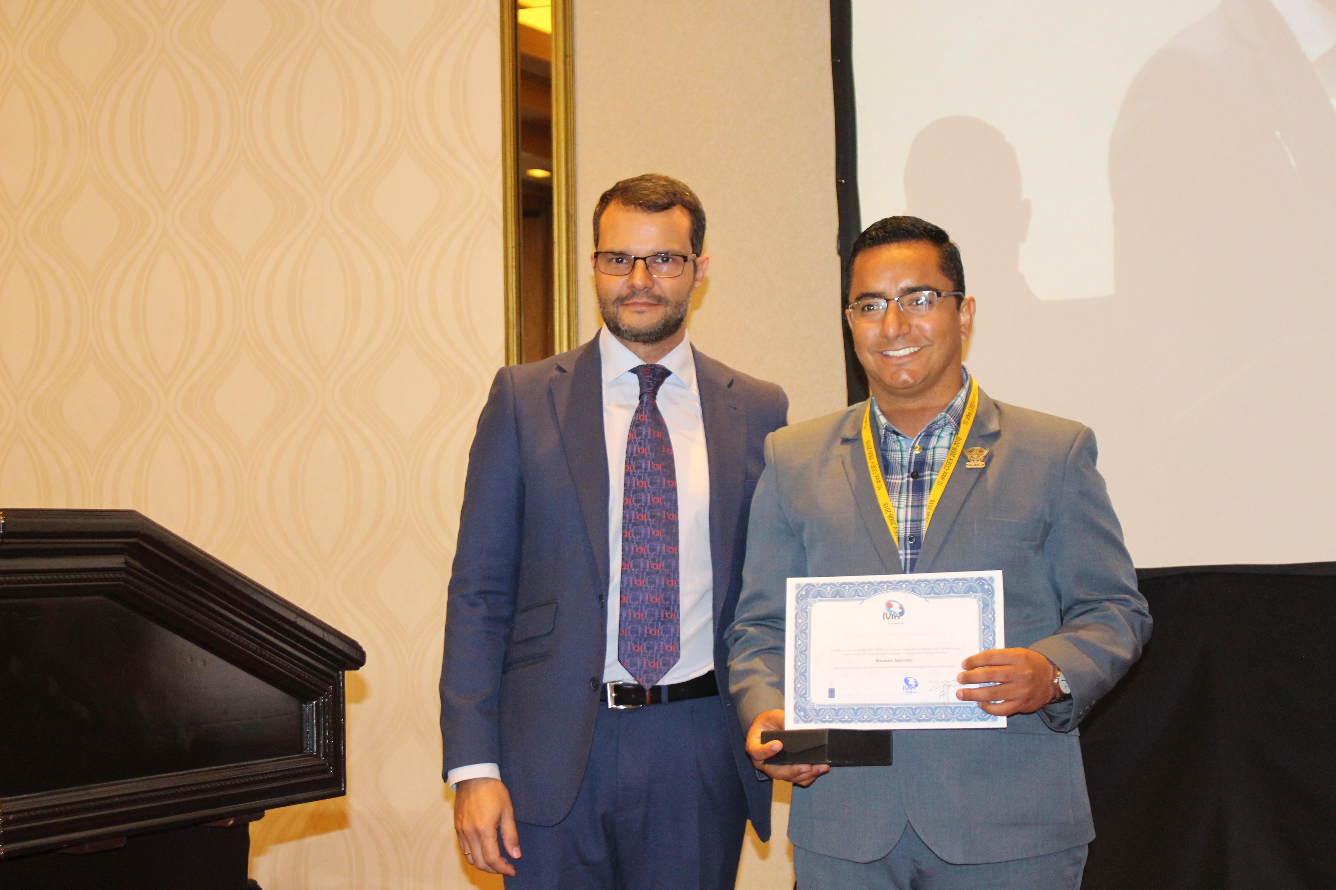 Diploma Hernan Salcedo
