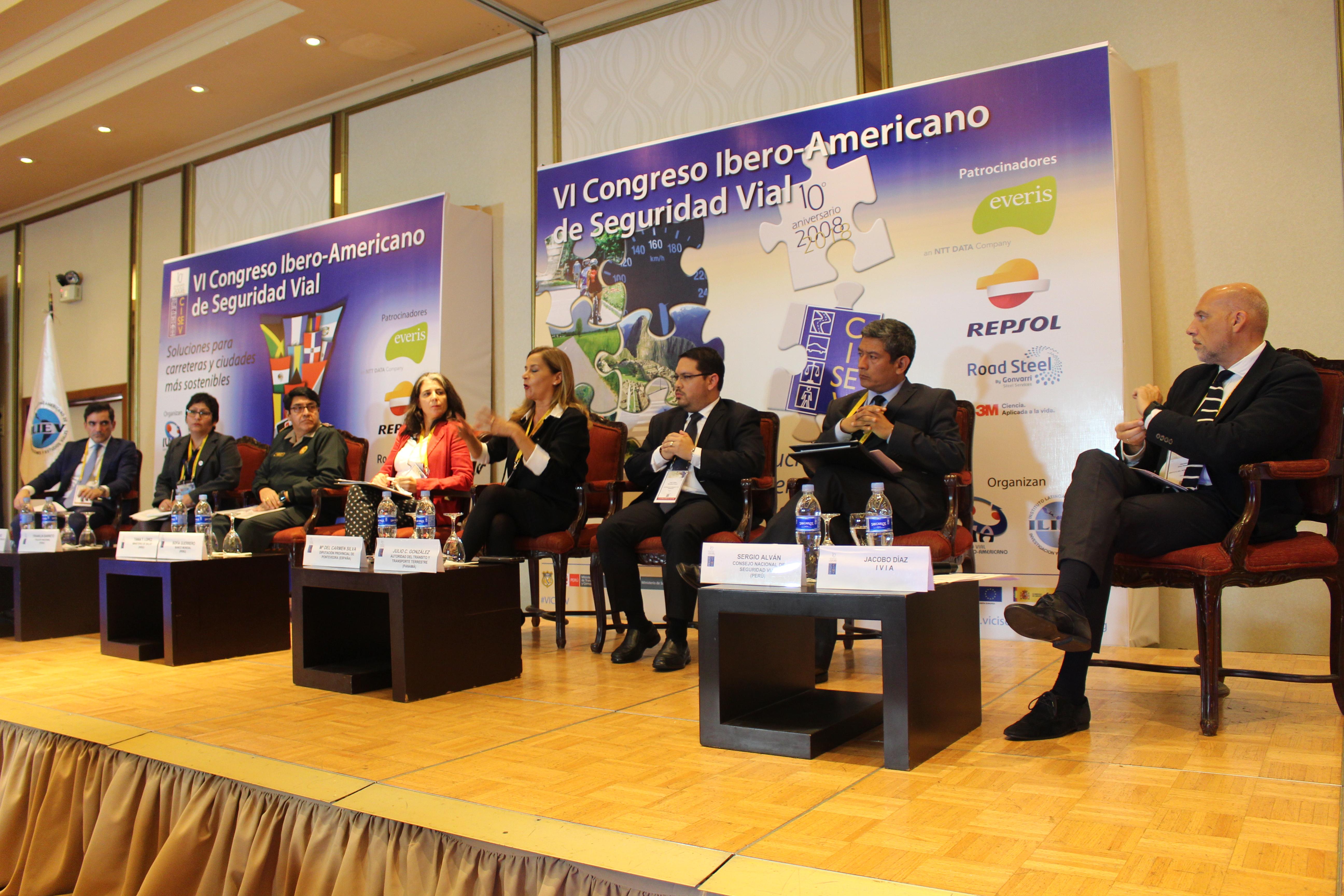 Sesion plenaria - martes